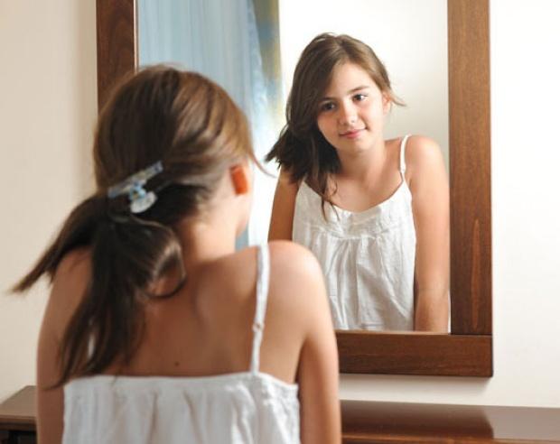 Adolescencija i sazrevanje – šta mogu da očekuju roditeljidevojčica