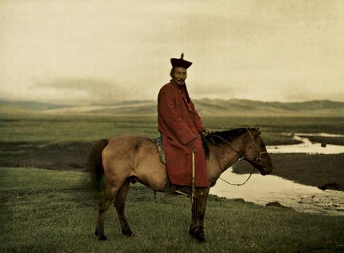mongolia-near-ulaanbaatar-buddhist-lama-1913-musee-albert-kahn