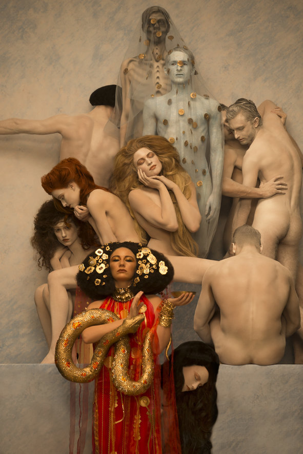 inge-praders-recreation-of-a-gustav-klimt-painting-_3