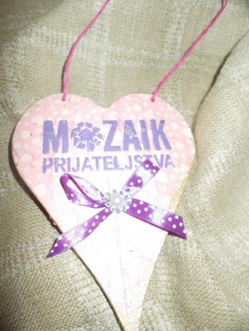 prednja strana srca sa logom Mozaika prijateljstva
