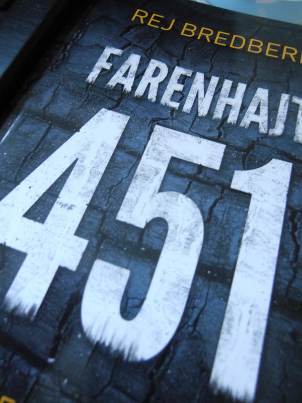 """FARENHAJT 451: """"Problem se pretvorio u pretežak teret? U peć snjim!"""""""
