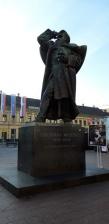 Foto: Spomenik posvećen Svetozaru Miletiću